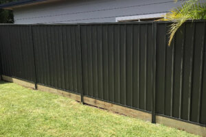 charcoal colorbond fencing